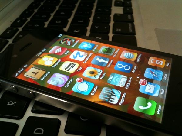 iPhone Dev Team gets iPhone 4 unlock