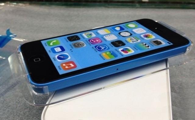 iPhone 5C azul en empaque