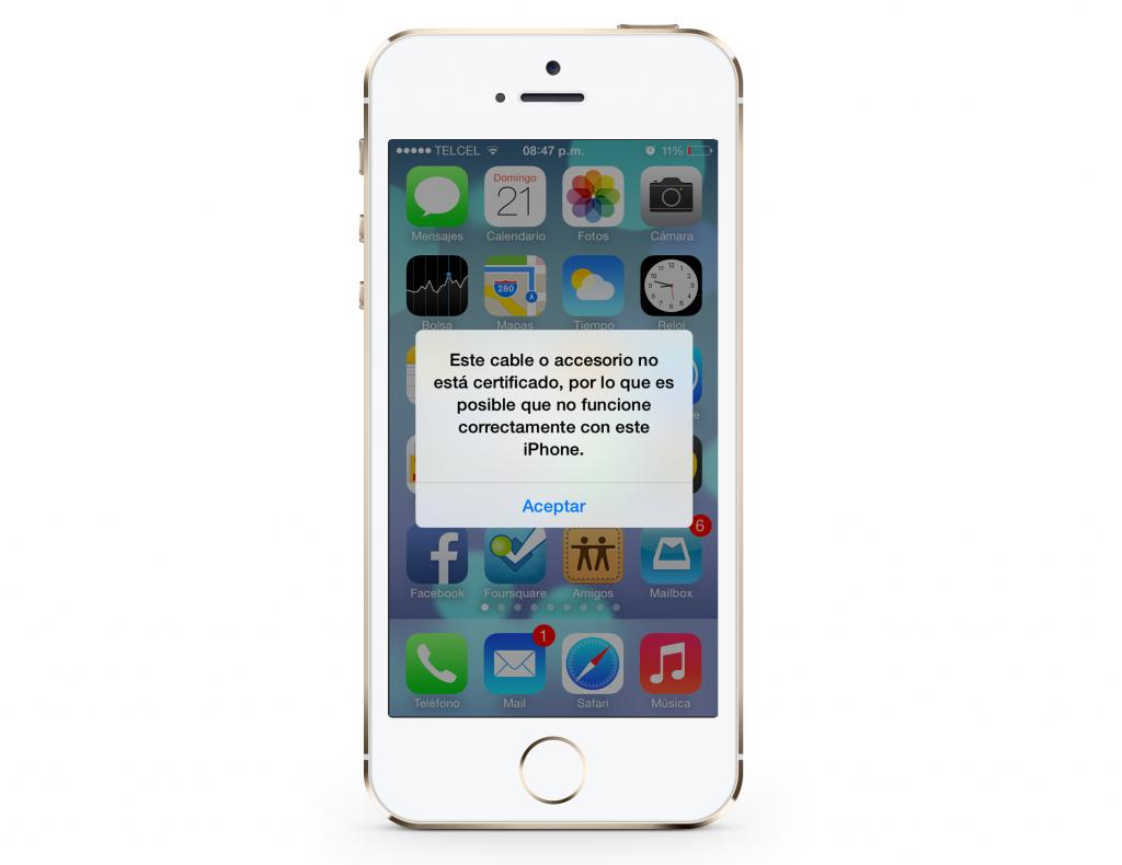 iPhone con accesorio certificado