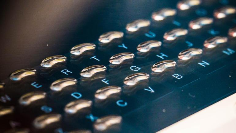tactus-haptic-keyboard-burbuja
