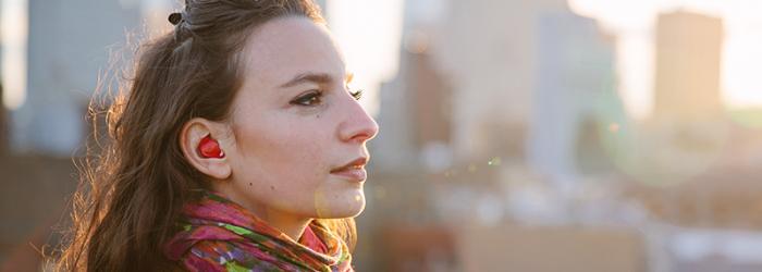 ¡Adiós a las barreras idiomáticas! Los auriculares Pilot traducen las conversaciones en cualquier idioma en tiempo real